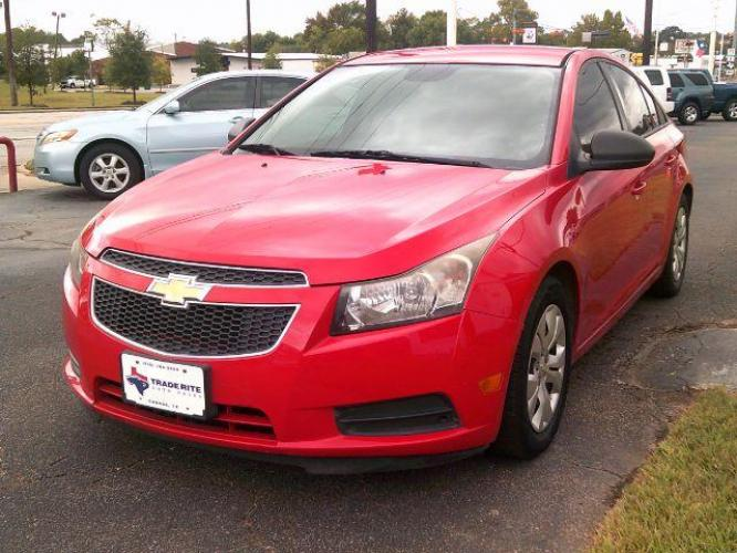 2014 RED /Jet Black/Medium Titanium Chevrolet Cruze LS Auto (1G1PA5SH4E7) with an 1.8L L4 DOHC 16V FFV engine, 6-Speed Automatic transmission, located at 116 N. Frazier Street, Conroe, TX, 77301, (936) 647-0690, 30.308662, -95.460480 - Photo #2