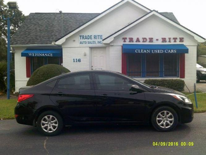 2013 Ultra Black Pearl /Gray Cloth Interior Hyundai Accent GLS 4-Door (KMHCT4AE1DU) with an 1.6L L4 DOHC 16V engine, 4-Speed Automatic transmission, located at 116 N. Frazier Street, Conroe, TX, 77301, (936) 647-0690, 30.308662, -95.460480 - Photo #0